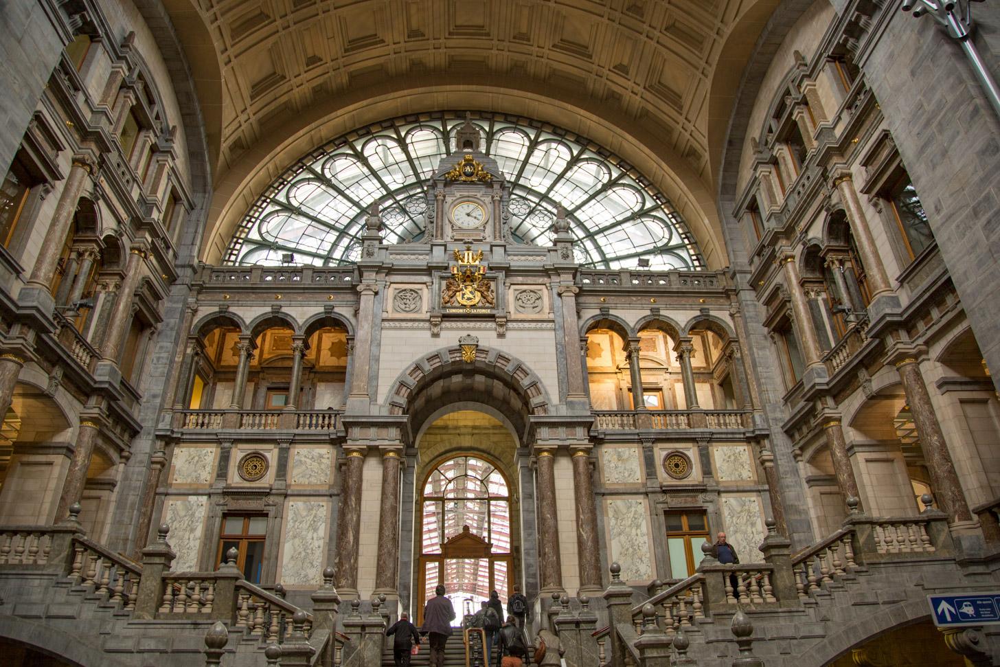 Treinstation Antwerpen-Centraal