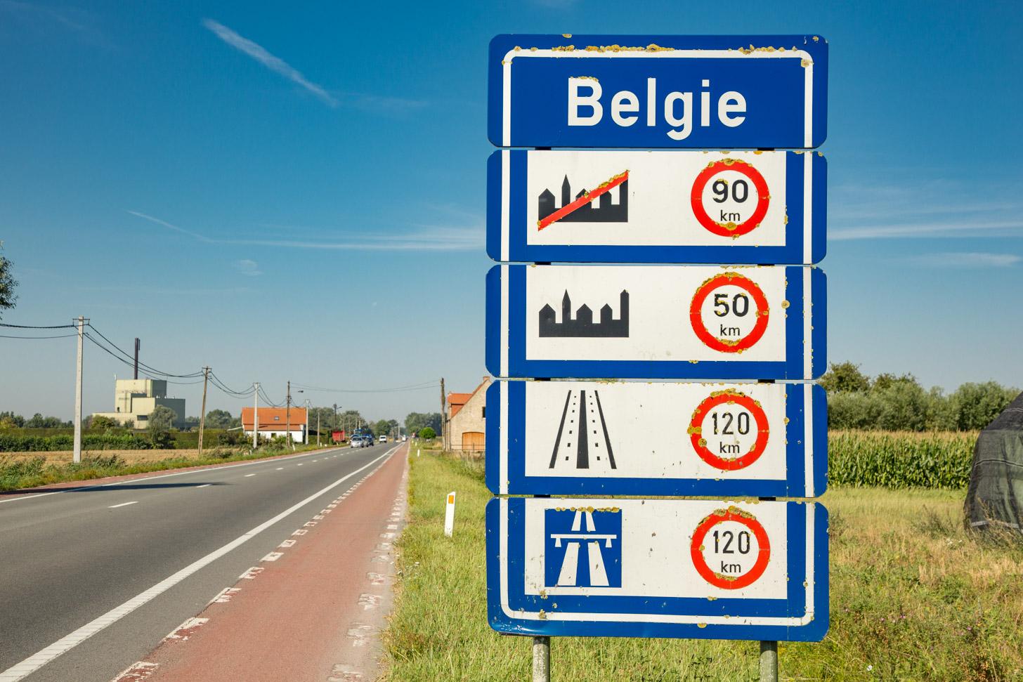 Met de auto naar België
